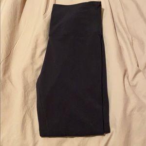 black lululemon align leggings
